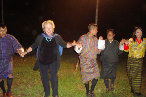 dance-with-locals